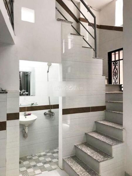 Nhà nguyên căn tại Phan Văn Trị, Quận 5, Cần cho thuê 10 triệu/tháng, Đủ nội thất, 30m2, 3 phòng ngủ, 3 toilet