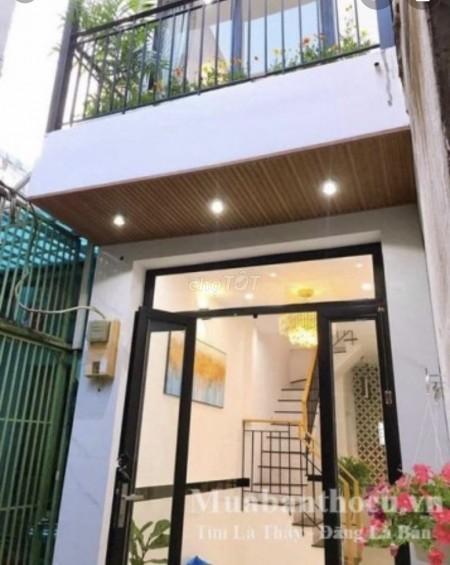 Nhà sang chảnh, siêu đẹp, thiết kế hiện đại, sàn gỗ cao cấp mới tinh tại Lý Thái Tổ Quận 10, 32m2, 3 phòng ngủ, 2 toilet