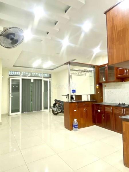 Nhà nguyên căn vừa mới xây mặt tiền đường, dt 4mx8m, tại Ông Bích Khiêm, 32m2, 3 phòng ngủ, 4 toilet