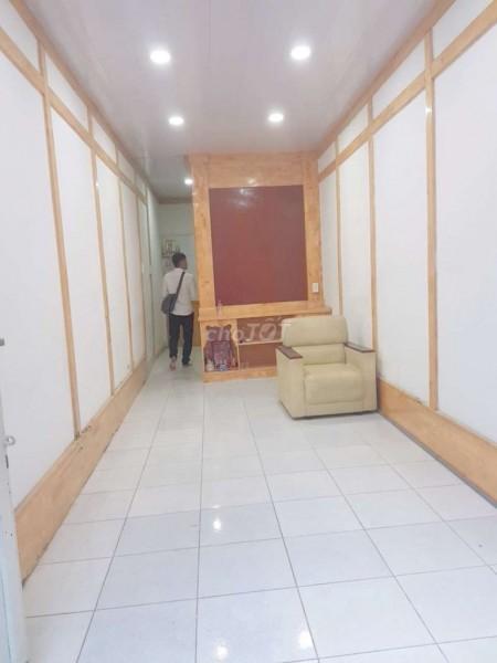 Cho thuê nhà nguyên căn 1 trệt 1 lầu tại đường Bạch Đằng, Bình Thạnh, Chỉ 7 triệu/tháng, 30m2, 2 phòng ngủ, 2 toilet