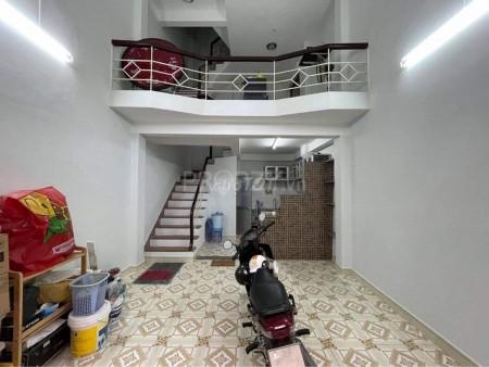 Nhà nguyên căn dtsd 128m2, hẻm xe tải Đào Duy Anh, PN. Giá thuê 15 triệu dọn vào ngay, 32m2, 2 phòng ngủ, 3 toilet