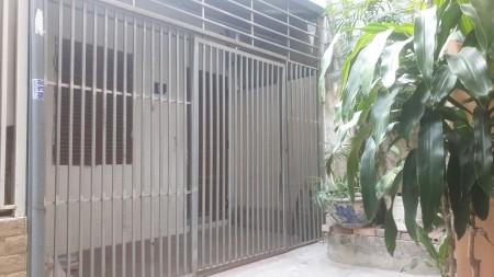 Chính chủ cho thuê nhà cấp 4 cổng riêng độc lập tại Nguyễn Trãi, Thanh Xuân, 37m2, 2 phòng ngủ, 1 toilet