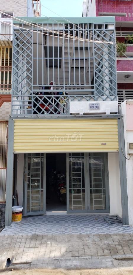 Nhà nguyên căn mặt tiền đường Cao Đạt, Quận 5. Nhà 2 tầng trong khu an ninh, Giá thuê 21tr/tháng, 48m2, 2 phòng ngủ, 2 toilet