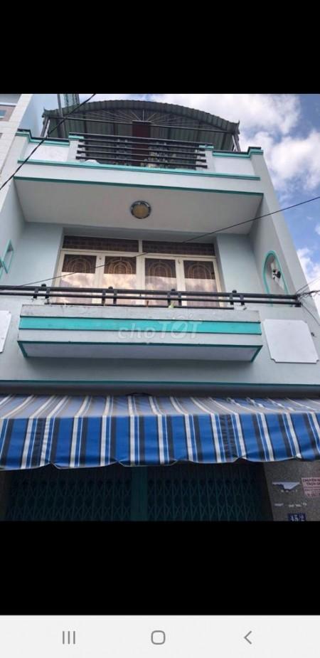 Cho thuê nhà nguyên căn 100m2, 1 trệt 1 lầu và 1 sân thượng, mặt tiền chợ trên đường Đất Mới, Bình Tân, 100.8m2, 3 phòng ngủ, 3 toilet