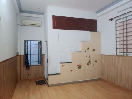 Cho thuê nhà nguyên căn diện tích 4m x 18m, gần bến xe Quận 8 trong KDC Bình Hưng, 72m2, 4 phòng ngủ, 3 toilet