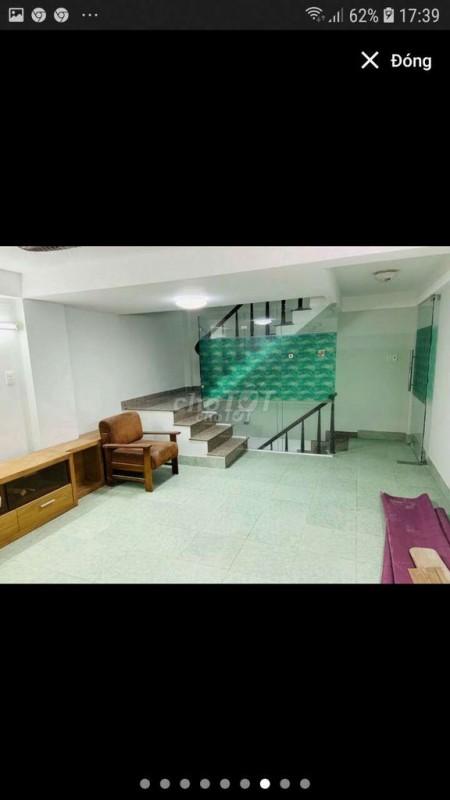 Cho thuê nhà nguyên căn Quận 3, 1 trệt 1 lững 2 lầu, giá thuê 12 triệu, 32m2, 2 phòng ngủ, 3 toilet
