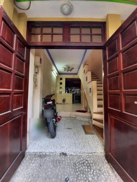 Cho thuê nhà nguyên căn, 1 trệt 3 lầu, 3pn, 3wc, dtsd 110m2, 30m2, 3 phòng ngủ, 3 toilet