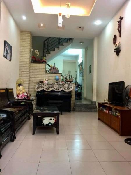 Cho thuê nhà nguyên căn 1 trệt 1 lầu nhà còn mới và rất sạch sẽ, có sân thượng, 3pn, 2wc, 62m2, 3 phòng ngủ, 2 toilet
