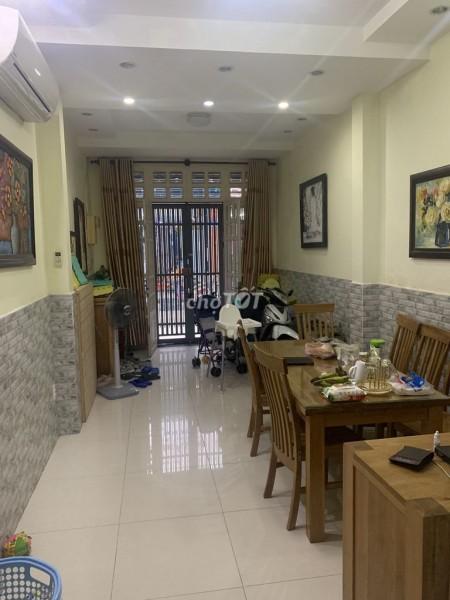 Nhà nguyên căn 3m x13m, 1 trệt 1 lầu, 2PN nhà mới sạch sẽ, tại hẻm ô tô 1 xẹc Huỳnh Văn Bánh, 39m2, 2 phòng ngủ, 2 toilet