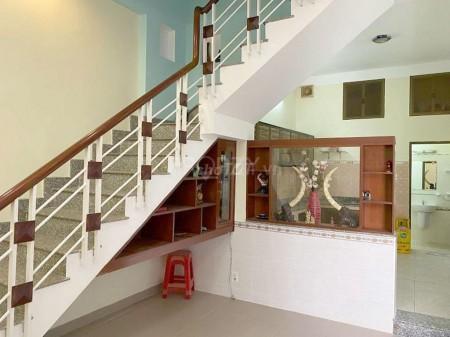 Cho thuê nhà nguyên căn mới đẹp có một số nội thất mới đẹp, hẻm 2m Xóm Chiếu, 50m2, 4 phòng ngủ, 3 toilet