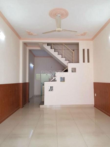 Cho thuê nhà nguyên căn Tân Phú, 2Pn, 2 tầng, 48m2, Chính chủ cho thuê hợp đồng an toàn, 48m2, 2 phòng ngủ, 2 toilet