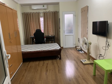 Nhà ở 5 tầng khu vực Xuân Đỉnh, CV Hòa Bình, 31m2, 3 phòng ngủ, 4 toilet