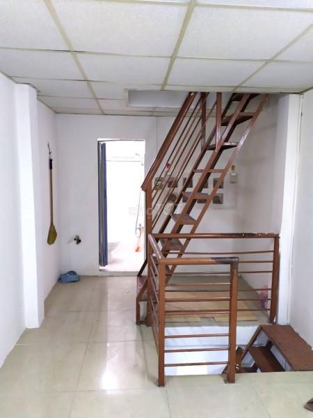 Nhà nguyên căn tại Vạn Kiếp Phường, Bình Thạnh, đúc 1 trệt 2 lầu. Giá 7 triệu/tháng, 18m2, 2 phòng ngủ, 3 toilet
