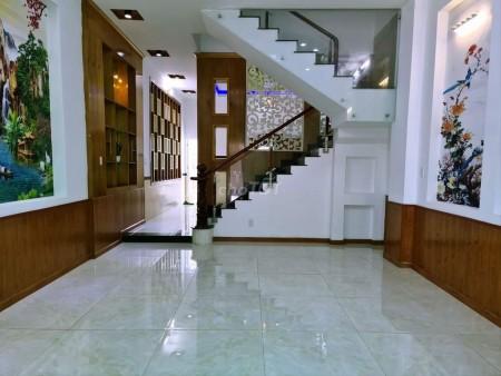 Có nhà nguyên căn hẻm 194 Võ Văn Tần, Quận 3 cần cho thuê giá 15 triệu/tháng, dtsd 60m2, 180m2, ,