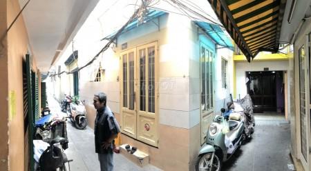 Hẻm Nguyễn Văn Cừ, Quận 1 cần cho thuê nhà 30m2, 2 tầng, giá 7.5 triệu/tháng, LHCC, 59m2, ,