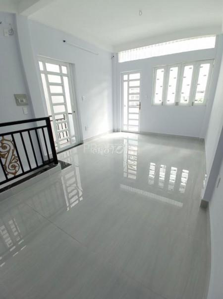 Cho thuê nguyên căn rộng 90m2 (3.5mx9m), giá 15 triệu/tháng, đường Trần Khắc Chân, Phú Nhuận, 90m2, 3 phòng ngủ, 3 toilet