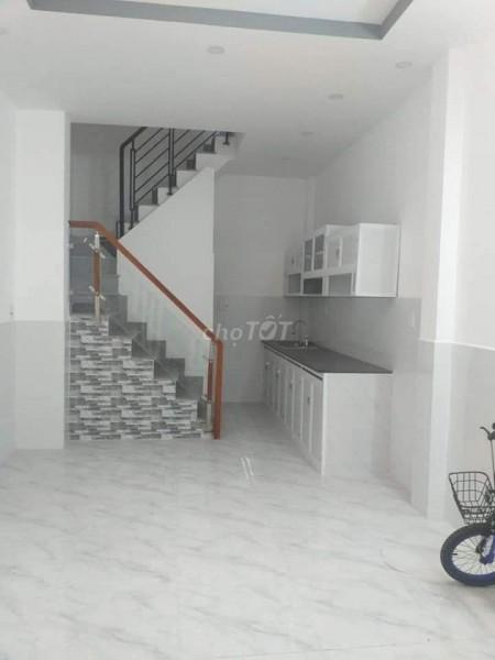 Cho thuê nhà nguyên căn dt 3.5m x 10m, 1 trệt 2 lầu và 1 sân thượng tại Bình Chánh, 35m2, 3 phòng ngủ, 3 toilet