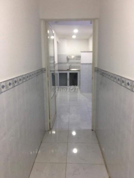 Nguyên căn còn mới 1 trệt, 1 lửng cần cho thuê giá 5.5 triệu/tháng, dtsd 60m2, hẻm Tôn Thất Thuyết, Quận 4, 60m2, 1 phòng ngủ, 1 toilet