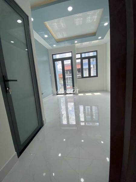 Cho thuê nhà nguyên căn, 3m x 10m, tại Đoàn Văn Bơ, Quận 4, 30m2, 2 phòng ngủ, 2 toilet
