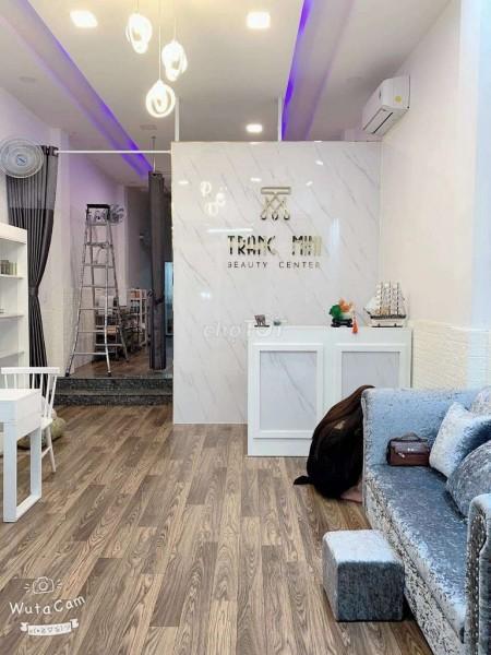 Nhà siêu đẹp sở hữu vị trí mặt tiền đắc địa để kinh doanh tại Đoàn Văn Bơ, Quận 4, 80m2, 4 phòng ngủ, 5 toilet