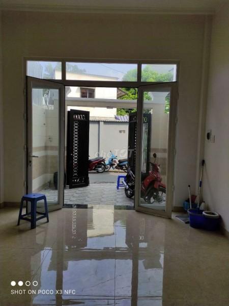 Cho thuê nhà nguyên căn mới đẹp có trệt và 2 tầng lầu trên đường Hồ Văn Tư, Thủ Đức, 56m2, 4 phòng ngủ, 3 toilet