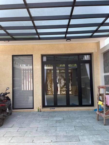 Cho thuê nhà mới xây, dt 105m2, tại đường Trường Lưu, Long Trường Quận 9., 105m2, 4 phòng ngủ, 4 toilet