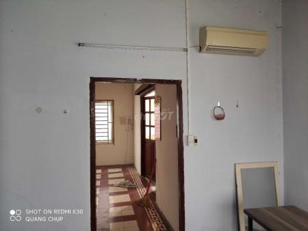 Chính chủ cần cho thuê nhà nguyên căn gần cầu Nguyễn Văn Cừ. DTSD 250m2, 250m2, 3 phòng ngủ, 3 toilet