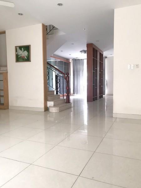 Cần cho thuê căn nhà đang để trống mặt tiền đường rất thuận tiện kinh doanh, 120m2, 5 phòng ngủ, 4 toilet