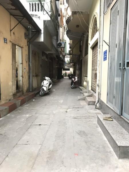 Cho thuê nhà 3 tầng tại ngõ 106 phố Cù Chính Lan, 90m2, 2 phòng ngủ, 1 toilet