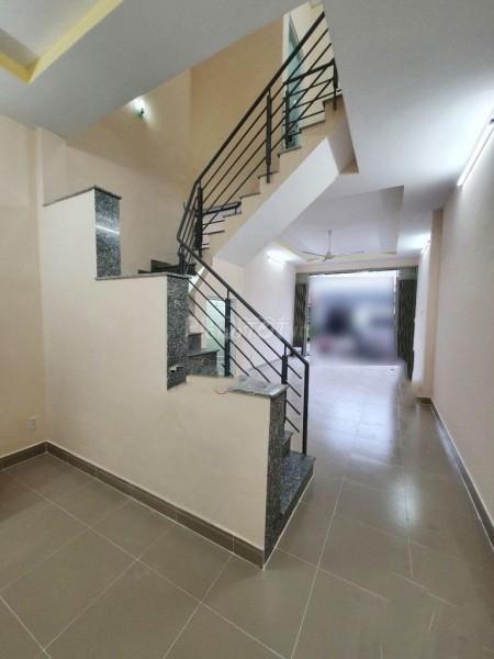 Có căn nhà đang trống cần cho thuê tại Tân Thuận Tây, Quận 7. Giá thuê 16 triệu, 48m2, 2 phòng ngủ, 2 toilet