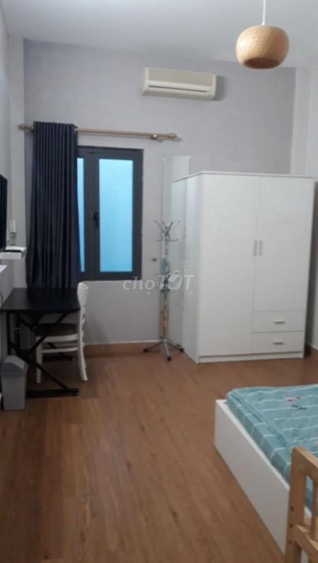 Cho thuê nhà nguyên căn ngay trung tâm Quận 1, Dtsd 150m2, có 3PN, 150m2, 3 phòng ngủ, 3 toilet
