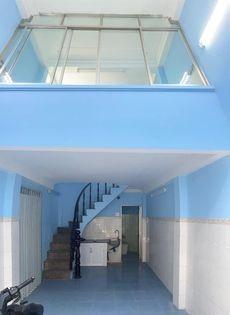 Nhà nguyên căn mới kết cấu có 1 trệt 1 lững và 2 lầu, tại CMT8 Quận 3, 29.76m2, 2 phòng ngủ, 3 toilet