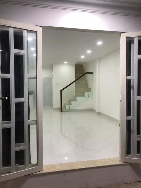 Nhà mới đang trống cần cho thuê tại Bùi Văn Ba Quận 7. Nhà trống vào ở ngay, 39m2, 2 phòng ngủ, 2 toilet