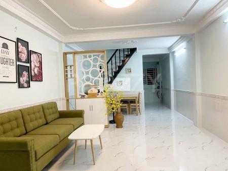 Cho thuê nhà nguyên căn 124m2, 1 trệt, 2 lầu đúc, giá 11 triệu/tháng, hẻm Huỳnh Tấn Phát, Quận 7, 124m2, ,
