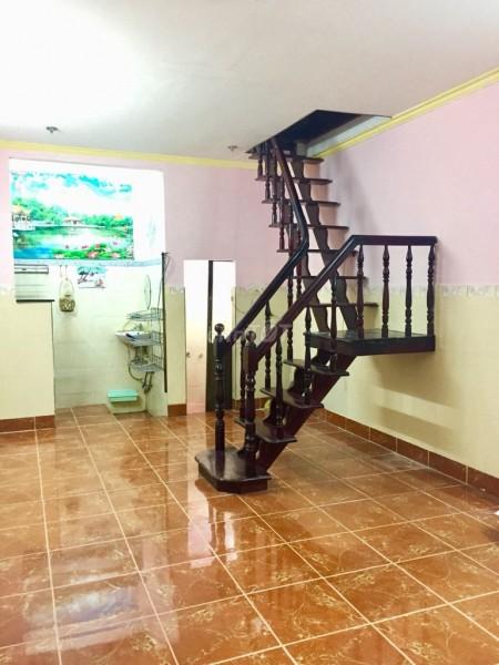 Trống nhà cần cho thuê 1 trệt, 1 lầu đúc, dtsd 64m2, 2 PN, hẻm Nguyễn Khoái, Quận 4, giá 6.5 triệu/tháng, 64m2, ,