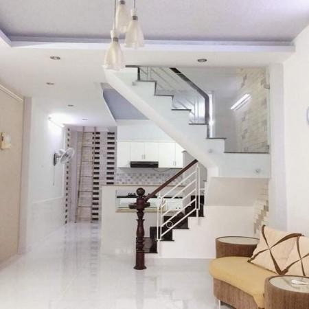 Cho thuê nhà mới, đẹp đang để trống chuyển vào ở ngay tại Huỳnh Tấn Phát Quận 7, 52m2, 2 phòng ngủ, 2 toilet