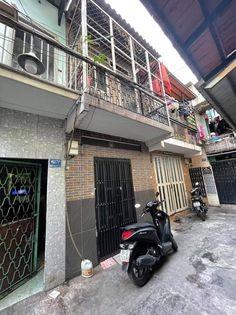 Cho thuê nhà nguyên căn 1 trệt 1 lầu tại Quận 3, gần công viên Lê Thị Riêng, 26.1m2, ,