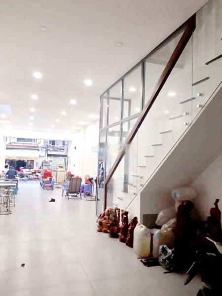 Cho thuê nhà trong chợ Bùi Minh Trực, Quận 8, dtsd 110m2, 2 tầng, giá 27 triệu/tháng, LHCC, 110m2, 3 phòng ngủ, 3 toilet