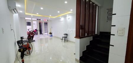 Cần cho thuê nhà rộng 72m2, 3 tầng đúc thật, hẻm 16/5B Nguyễn Thiện Thuận, Quận 3, giá 15 triệu/tháng, 72m2, ,
