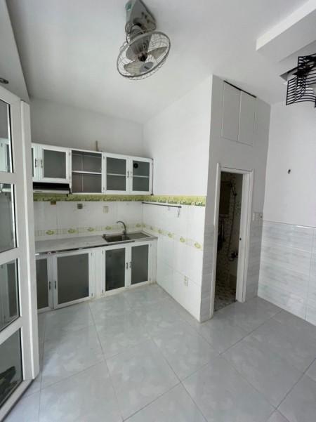 Chính chủ cần cho thuê nhà hẻm Trần Đình Xu, Quận 1, rộng 15m2, 3 tầng đúc kiên cố, giá 8.5 triệu/tháng, 15m2, ,