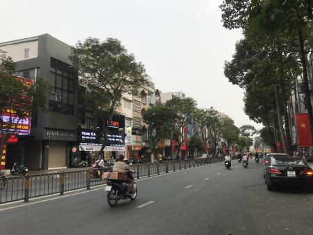 Cho Thuê Nhà Mặt tiền Kinh Doanh Đường Lê Hồng Phong - Phường 12 Quận 10., 150m2, 2 phòng ngủ, 3 toilet