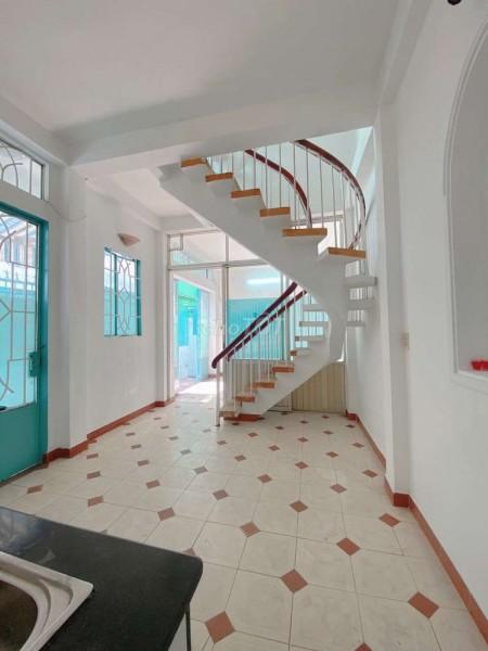 Mình cần cho thuê nhà 3 tầng đúc kiên cố, dtsd 40m2, kiến trúc đẹp, giá 8 triệu/tháng, hẻm 207 Phan Đình Phùng, 40m2, ,