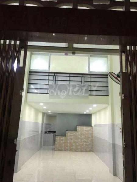 Mặt tiền đường Nguyễn Tiểu La, Quận 10 cần cho thuê giá 22 triệu/tháng, dtsd 140m2, LHCC, 140m2, ,