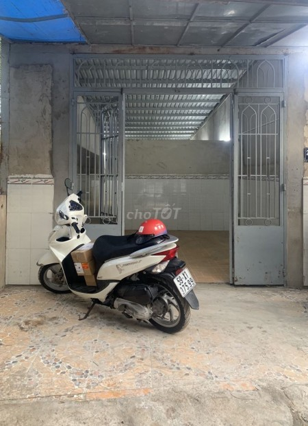 Có nhà hẻm 220 Võ Văn Hát, Quận 9 cần cho thuê nhà rộng 60m2, giá rẻ 3 triệu/tháng, 60m2, ,