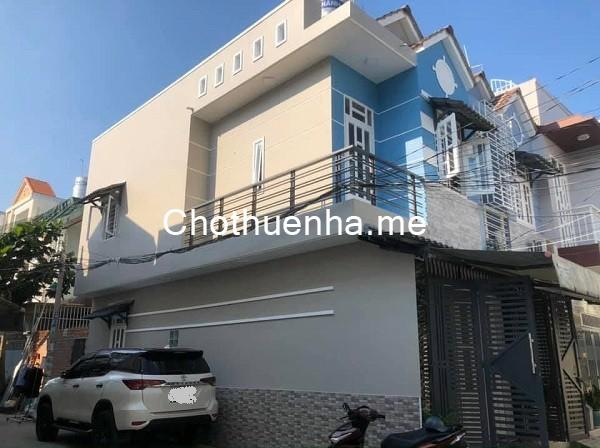 thuê nhà nguyên căn Quận Tân Phú